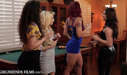 Kenzie Smothers Keiras Face With Pussy As GF Watches