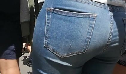 Big beautiful ass in tight jeans (pants yoga etc) great ass